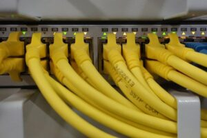 Hub connecting wires
