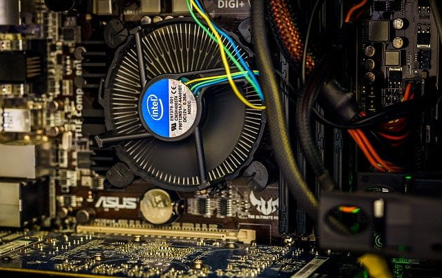 3 Pin vs 4 Pin Fans Connector for CPU, Which One To Have on Header?, What's a Difference?