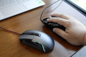Price between optical and laser mouse